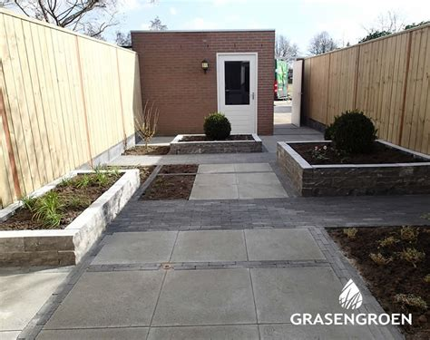 Kleine Tuinen Voorbeelden by Kleine Tuin Gras En Groen Hoveniers Den Bosch Brabant
