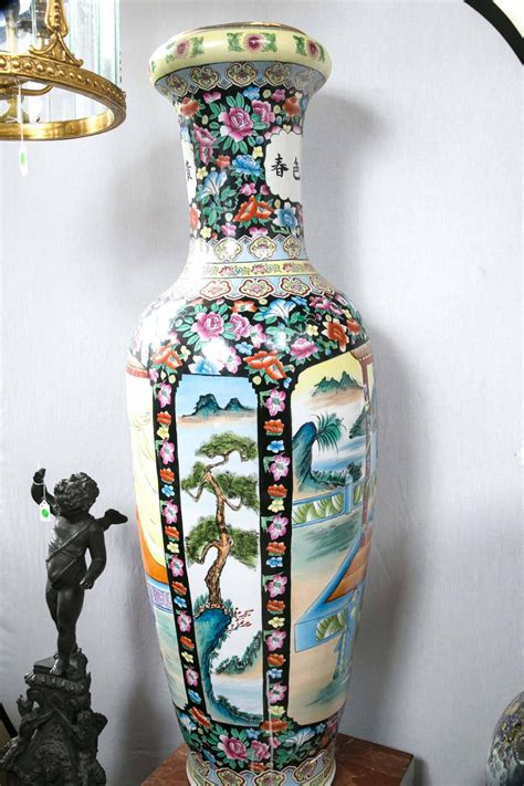 large pair  chinese porcelain floor vases  sale