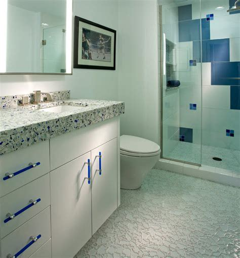 royal blue bathrooms royal blue bathroom 28 images the royal blue and white