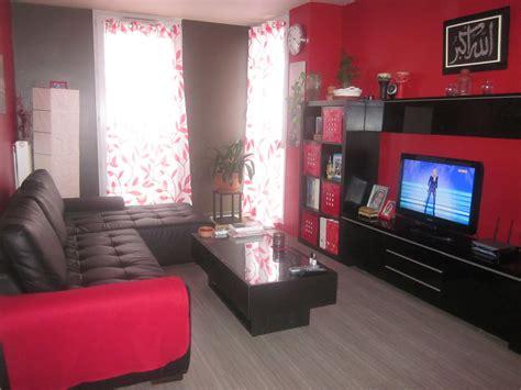 Incroyable deco salon rouge et noir #1: decoration-salon-noir-gris-rouge-4.jpg