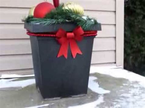 cheap and easy outdoor christmas decorations simple and inexpensive outdoor decor idea
