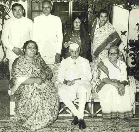 gandhi biography family robert vadra biography related keywords robert vadra