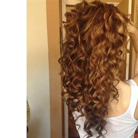 caramel curly hair hair colar  cut style