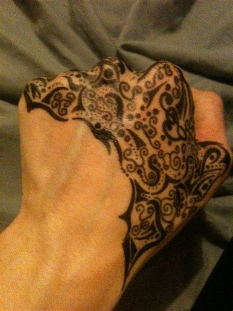 215 tattoo on hand meaning abstract hand tattoo design 2 by mynamefa1ls on deviantart