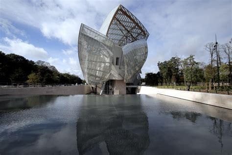 the frame 174 frank gehry s bilbao effect and the
