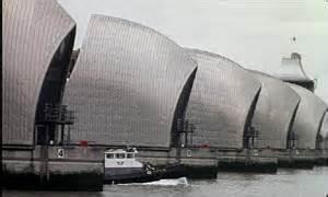 thames barrier failure bbc news uk captain s error in dredger crash