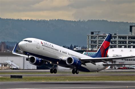 related keywords suggestions for delta 737 800