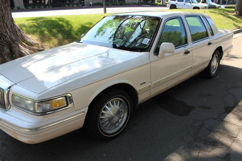 car manuals free online 1997 lincoln town car parking system crown victoria interior 1982 ford ltd crown victoria wagon 302 5 speed manual 1955 ford crown