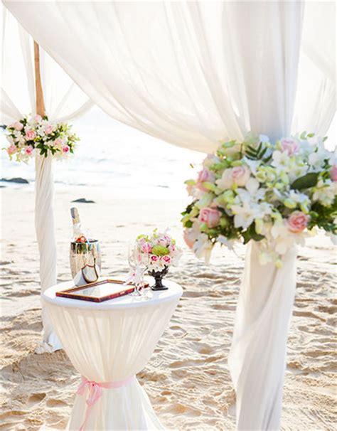 Beach Wedding Decoration Ideas and Tips   Wedding Decor   BeBEAUTIFUL