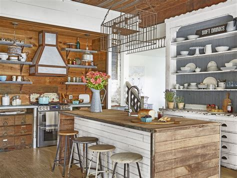 These 15 farmhouse kitchens will inspire your next reno