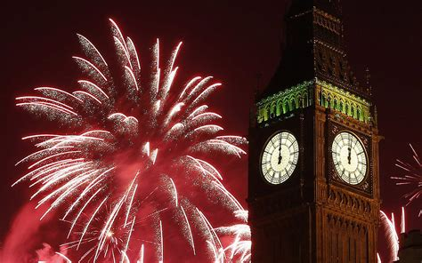 new year sts uk new year s fireworks celebration of midnight big ben clock