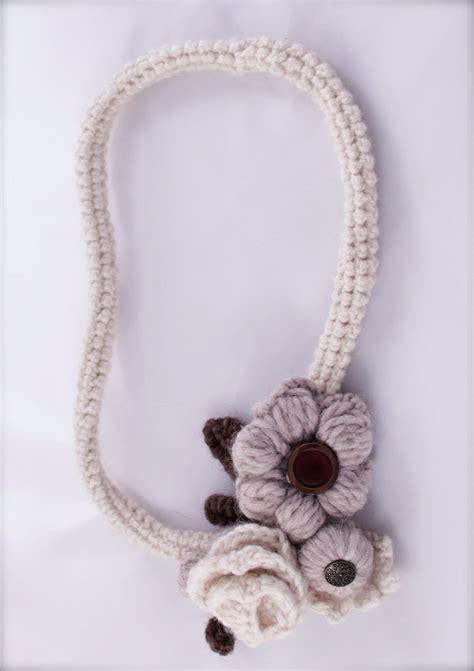 collana fiori uncinetto collana uncinetto in a fiori fatta a mano