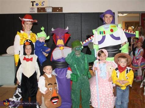 toy story family halloween costume contest  costume