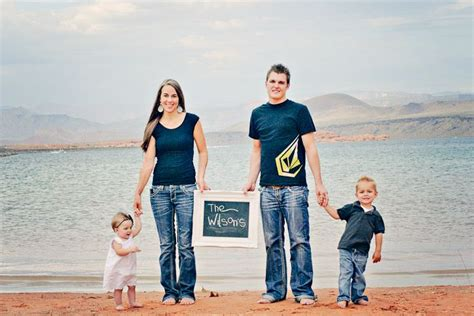 themes for family pictures cute family picture idea family photo poses pinterest