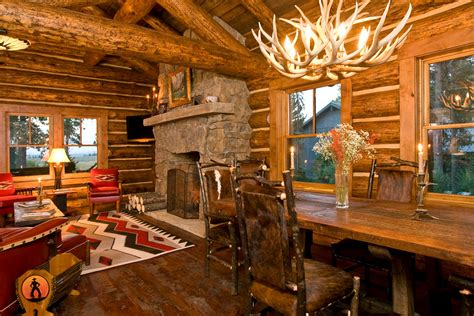 Ahwahnee Dining Room Cute Amp Cosy Cabin Beautifully Warm Home Has Traditional