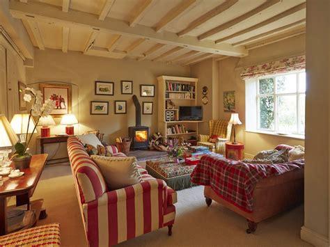 charming quiet country cottage courtyard garden stunning