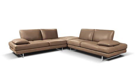 alba divani divano angolare moderno con base a slitta in acciaio