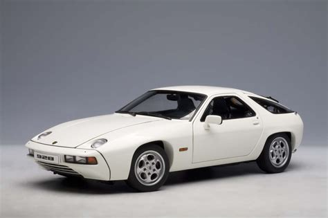 porsche 928 white autoart highly detailed die cast model white porsche 928