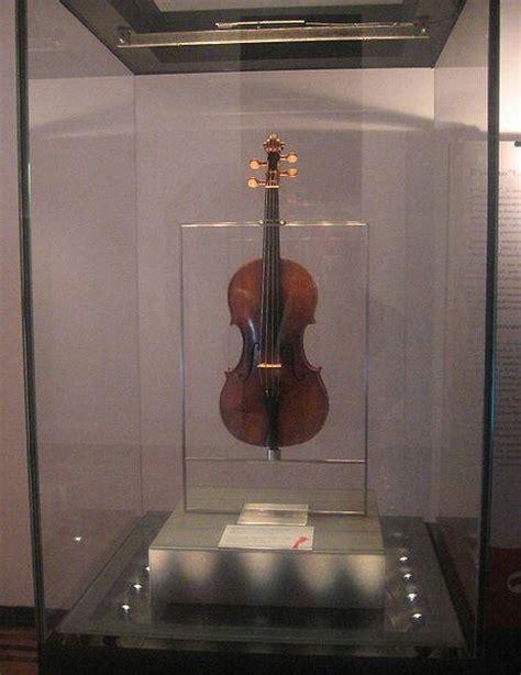 niccolo paganini s violin musical instruments