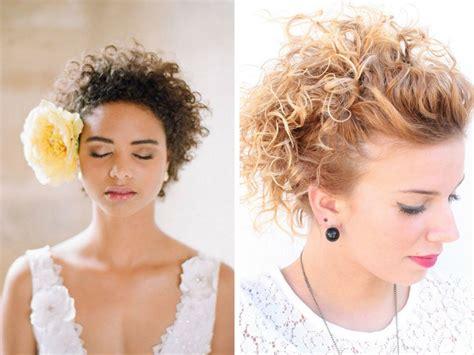 capelli le acconciature per sembrare pi 249 giovani glamour it pettinature capelli ricci pettinature capelli ricci