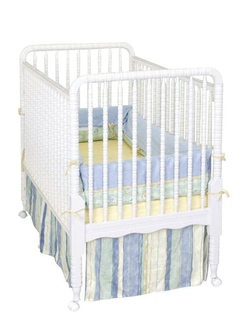 Lind Crib White by Delta Children 3 Way Crib Lind Collection White Finish
