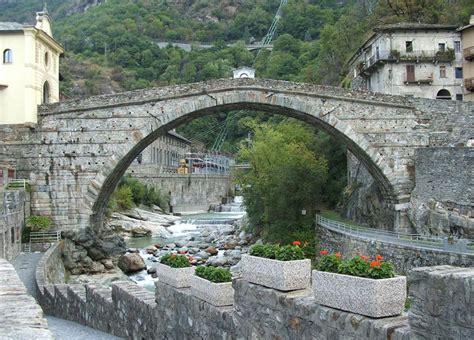 ufficio turistico valle d aosta pont martin guida turistica valle d aosta italia