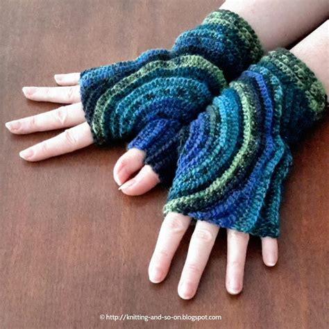 crochet gloves kreisel fingerless gloves allfreecrochet