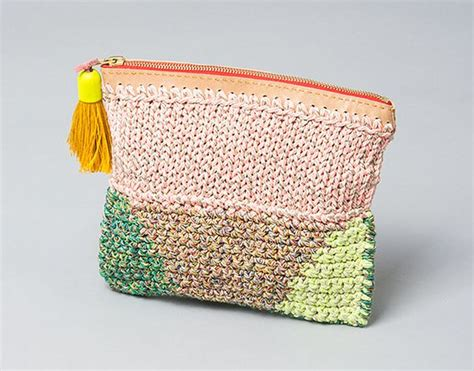 Make Jealous With A Handknit Knitting Bag Clutch Fashiontribes Fashion by 85 Best Bags Knitted Images On Knit Bag