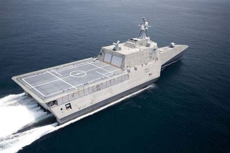 trimaran warship design wordlesstech uss independence lcs 2 stealth trimaran