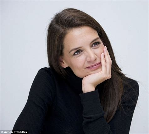 35 year old female celebs katie holmes shows off her legs in mini skirt at miss
