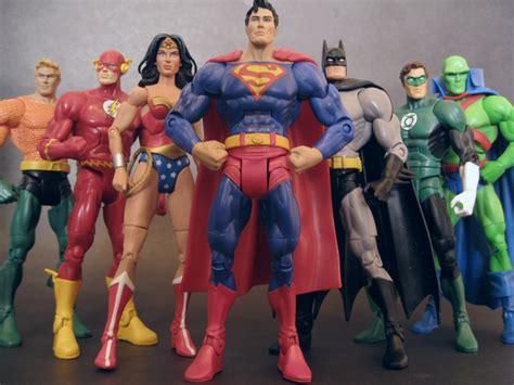 7 Dc Universe Justice League Batman Superman Figur review dc universe classics martian manhunter