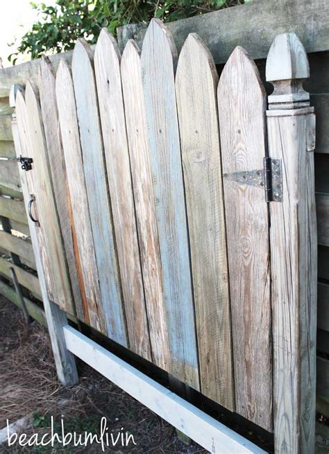 Wood Fence Headboard by Rustic Headboard From Reclaimed Wood Beachbumlivin