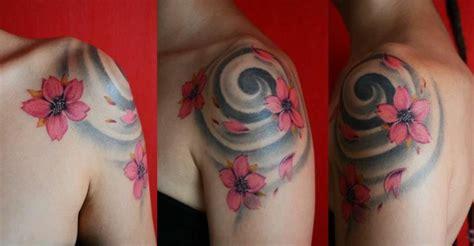 significato tatuaggio fiori di ciliegio oltre 1000 idee su tatuaggi con fiori di ciliegio su
