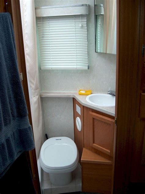 Rv With Bathroom by Simple Rv Bathroom Decorating Ideas Decoor