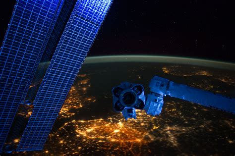 City Lights At Night Astronaut S Amazing View From Space Viewing Lights