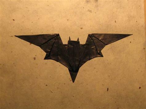 Batman Origami - bat symbol