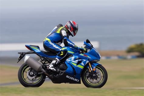 Suzuki Gsx 1000rr 2017 Suzuki Gsx R1000r Ride 16 Fast Facts