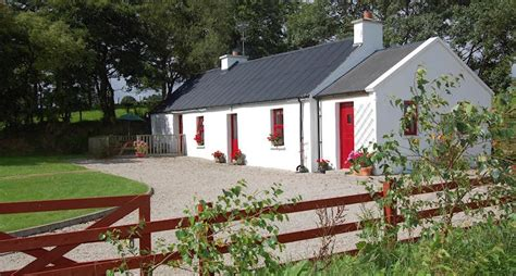 Traditional Cottage by Alder Traditional Cottage Donegal Accommodation