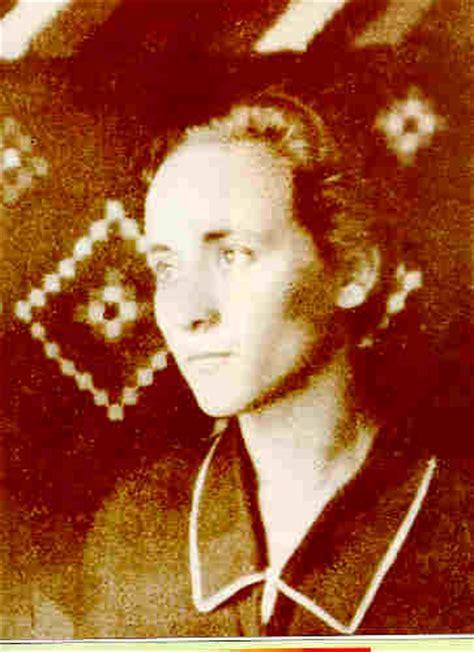 mother teresa early life biography pics