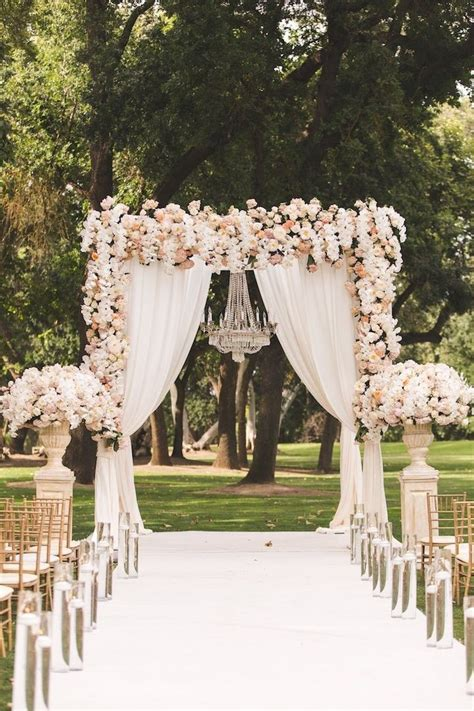 wedding decorations outside 25 best ideas about fairytale weddings on