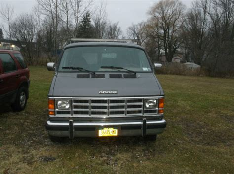 how things work cars 1993 dodge ram van b150 regenerative braking 1993 dodge b 250 3 4 ton grey cube cargo van for sale photos technical specifications description
