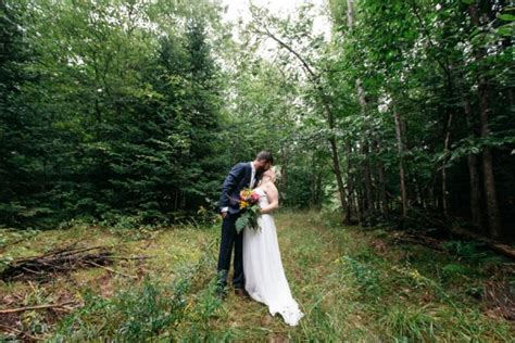 Personalized Muskoka Wedding in the Woods   Junebug Weddings