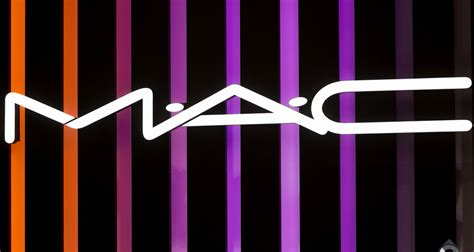 Mac Kosmetik mac makeup logo font mugeek vidalondon