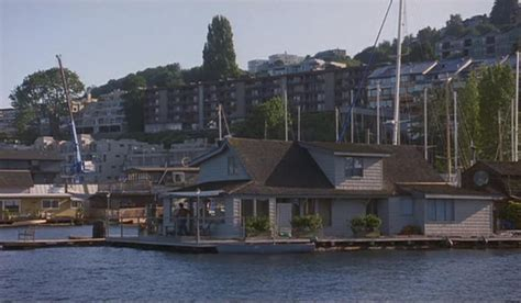 sleepless in seattle houseboat the quot sleepless in seattle quot houseboat iamnotastalker