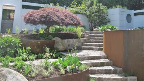 Stahl Im Garten by Geschwungene Corten Stahl W 228 Nde F 252 R Den Garten
