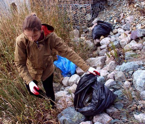 Handbag Of The Week Corrina by Volunteers Want To Make Their Areas Less Trashy
