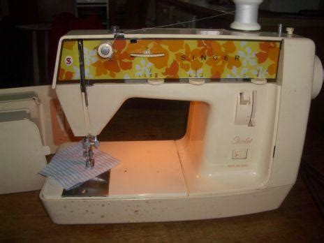 Downsize Home by Fs Singer Starlet Sewing Machine