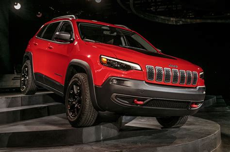 jeep cherokee trailhawk white 2019 jeep cherokee first look still on comeback trail