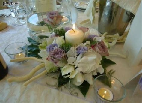 centrotavola fiori e candele foto 309 centrotavola matrimonio centrotavola di fiori