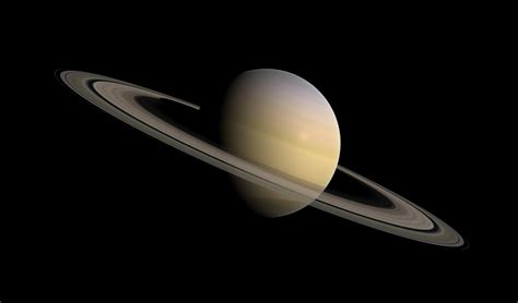 saturn color why saturn seems to be changing colors simplemost